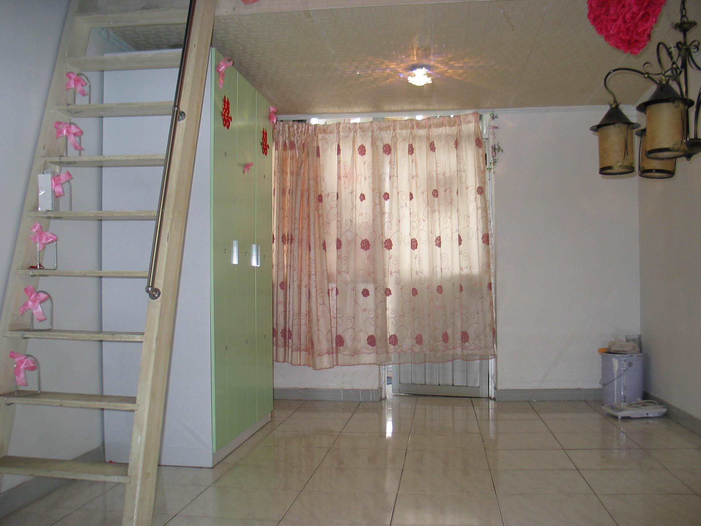 业主出租八卦岭鹏益花园的小复式单身公寓34平米,17楼1200元 - 深圳图片