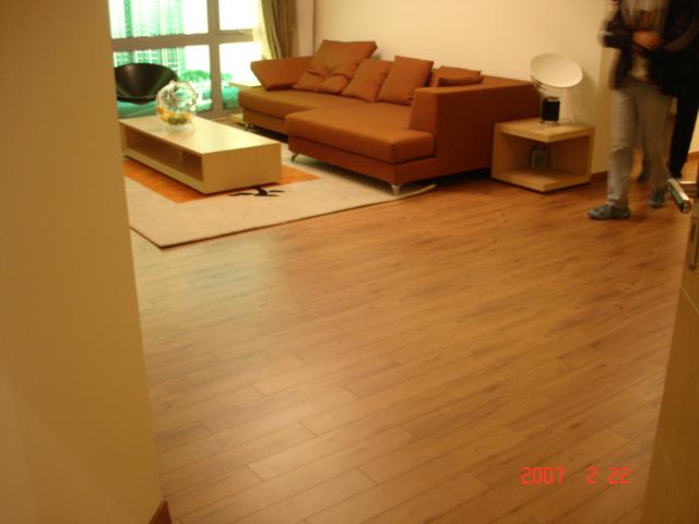 专业实木地板安装过程