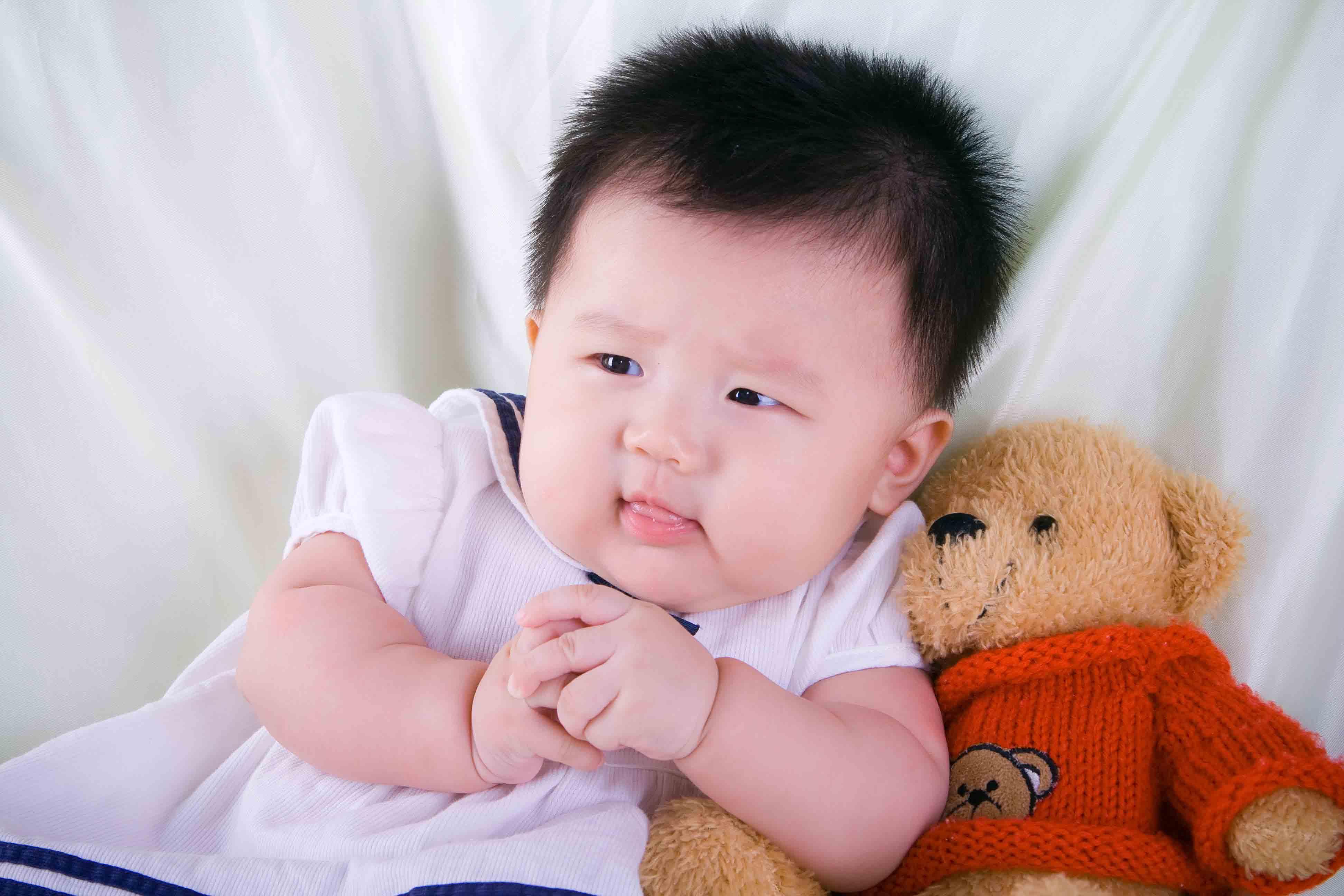 漂亮宝贝  > 朋友说宝宝相片可以上封面啦