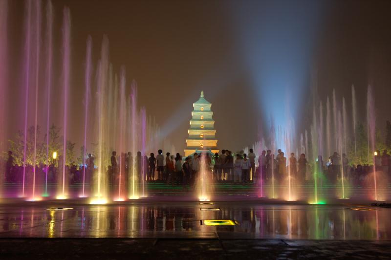 > 西安大雁塔音乐喷泉