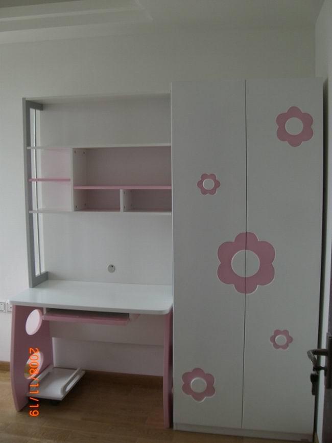 儿童房衣柜书桌