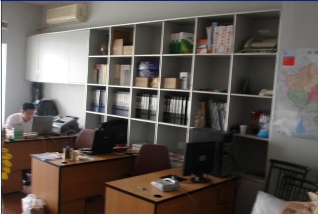 南山办公室转租:金晖大厦办公室40平方米带办公设备