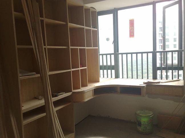 这是lp设计的儿童房的书柜加