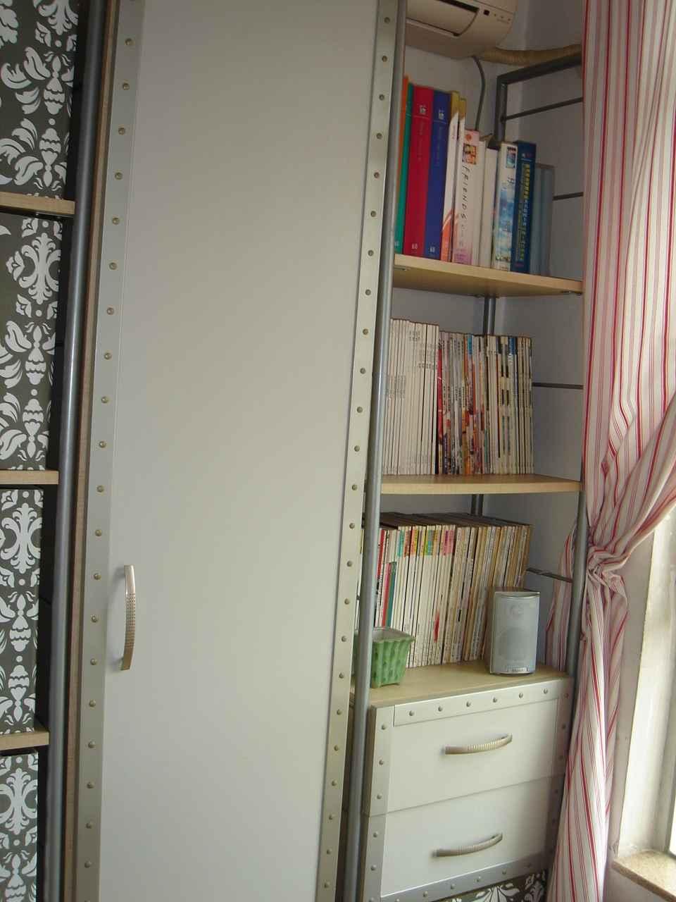 花样写字台书柜