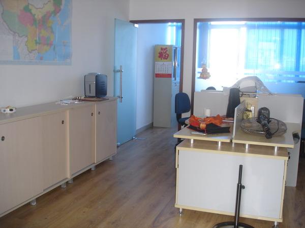 30平米新装修办公室出租