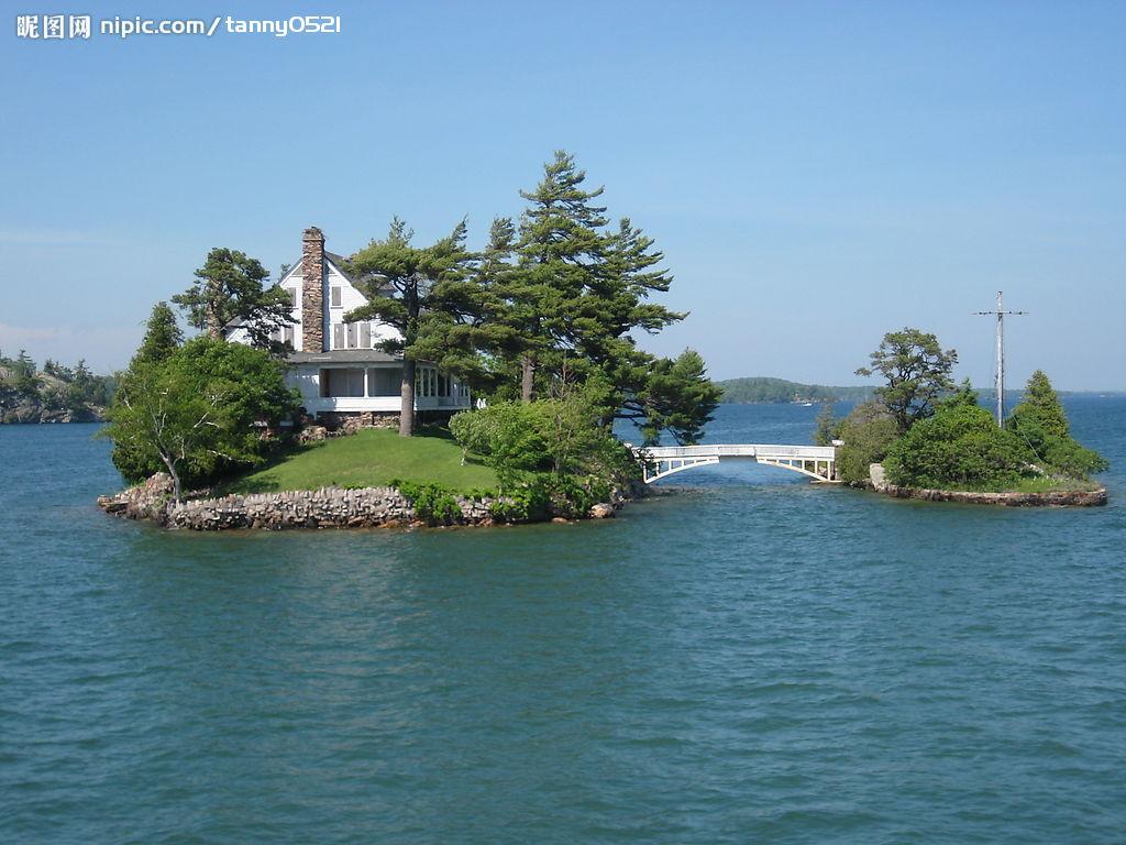 风景房屋湖水画