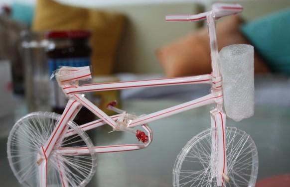 2,吸管自行车