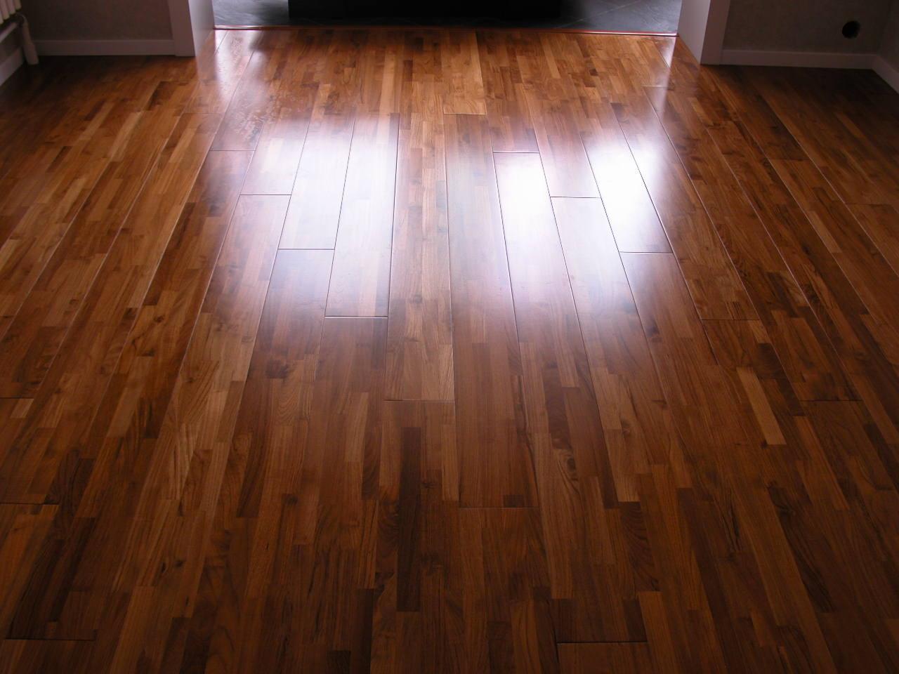 为什么国内普遍流行铺木地板,而国外普遍铺地毯?
