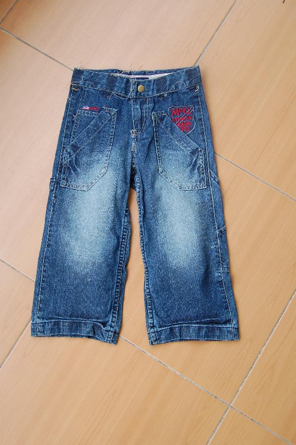 日单中大童牛仔裤10元批发 量大另议