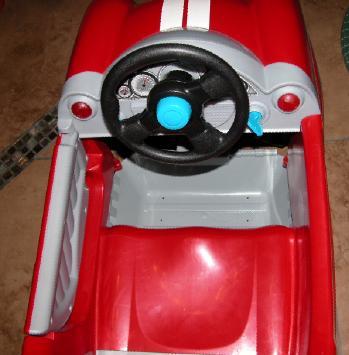 > 全新闲置儿童玩具车,推车,高脚凳.