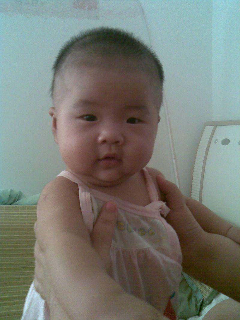 > 小眼睛可爱宝贝的照片