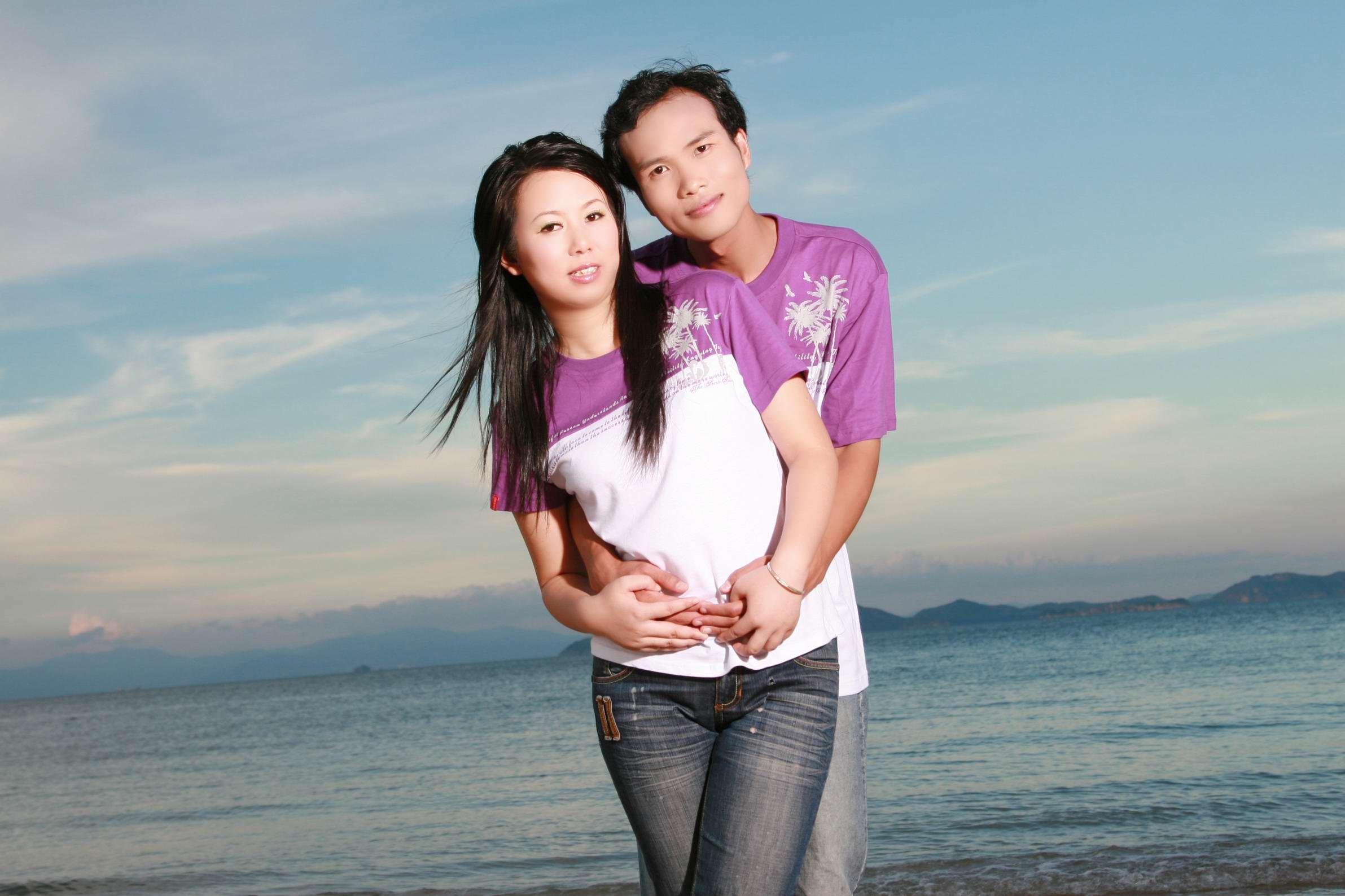 远方的家吴丹结婚照;