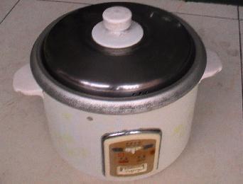 转让 九阳豆浆机,皇冠牌电饭锅,电火锅,艾美特落地扇