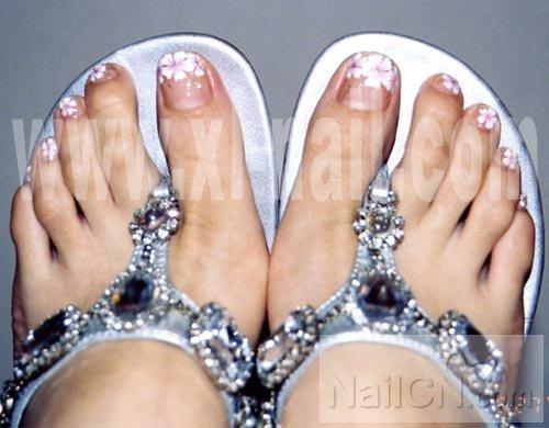 可爱脚趾甲 夏季美女们的最爱哦
