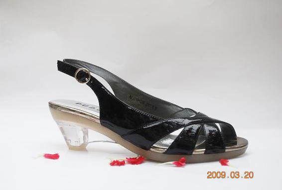 09年夏季凉鞋的流行因素先知道