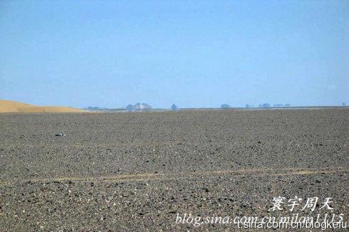 难得 拍到了沙漠中的 海市蜃楼图片