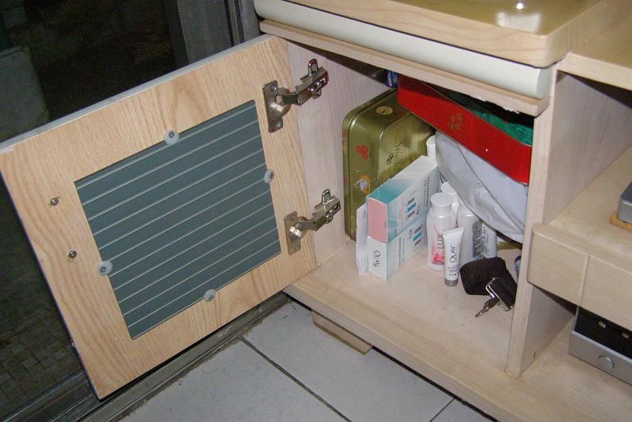 电视柜,电视机,电脑桌,电脑椅,布衣柜,梳妆台,便宜转让了哦